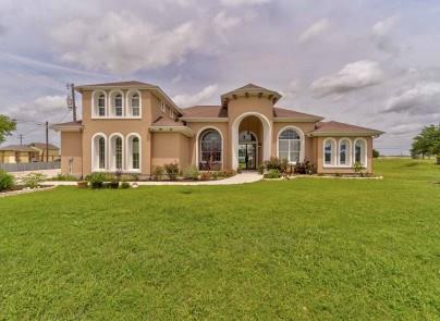 110 Jalisco CT, Del Valle TX 78617 Property Photo - Del Valle, TX real estate listing