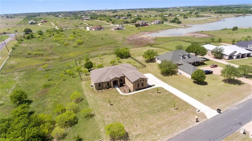 105 Tonkawa RDG Property Photo - Hutto, TX real estate listing