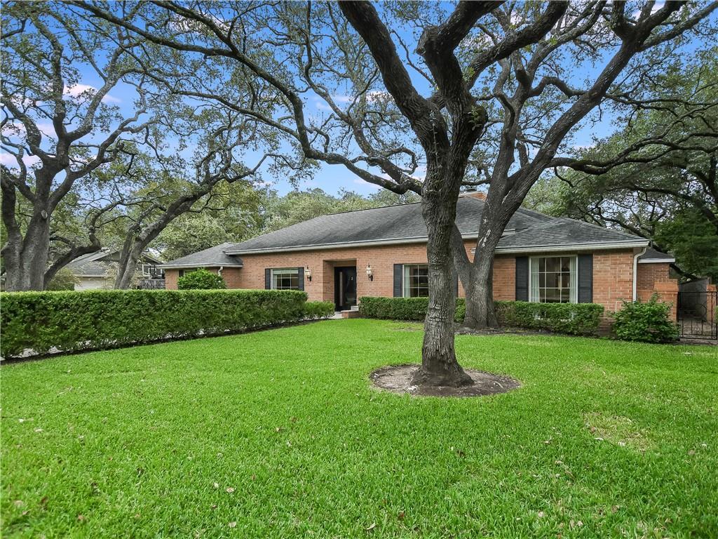 3903 PEBBLE PATH Property Photo - Austin, TX real estate listing