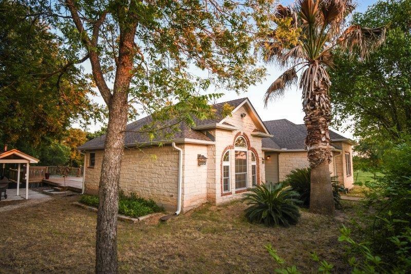 511 Balch RD, Elgin TX 78621 Property Photo - Elgin, TX real estate listing