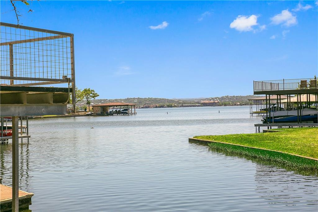 207 W Wilderness DR Property Photo - Marble Falls, TX real estate listing