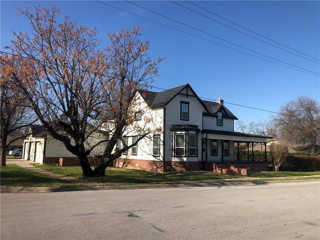 207 W 3rd ST Property Photo - Lampasas, TX real estate listing