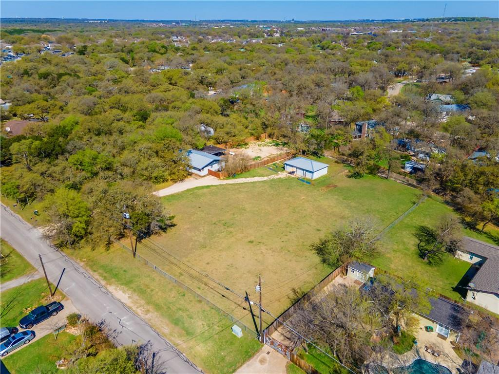 2414 Drew LN Property Photo - Austin, TX real estate listing