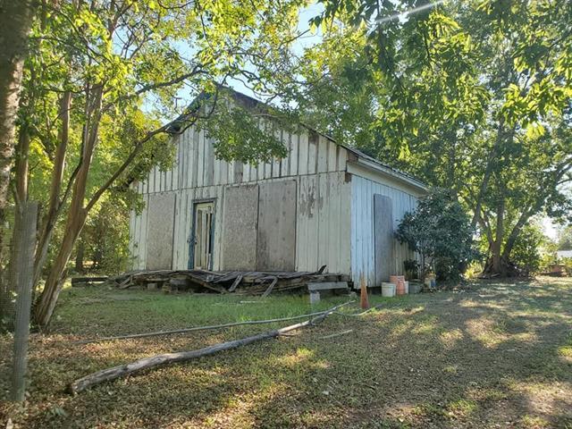 518 S Avenue D, Elgin TX 78621 Property Photo - Elgin, TX real estate listing