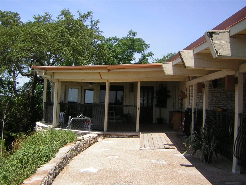 18500 Hillside DR, Jonestown TX 78645 Property Photo - Jonestown, TX real estate listing
