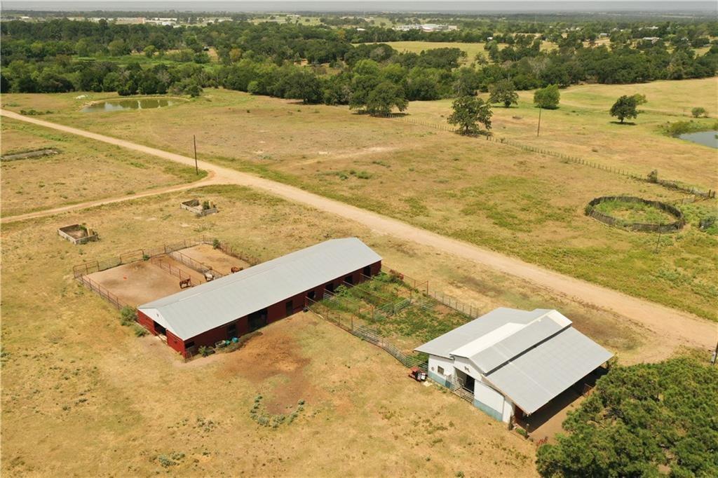 407 Alta Vista RD Property Photo - Bastrop, TX real estate listing