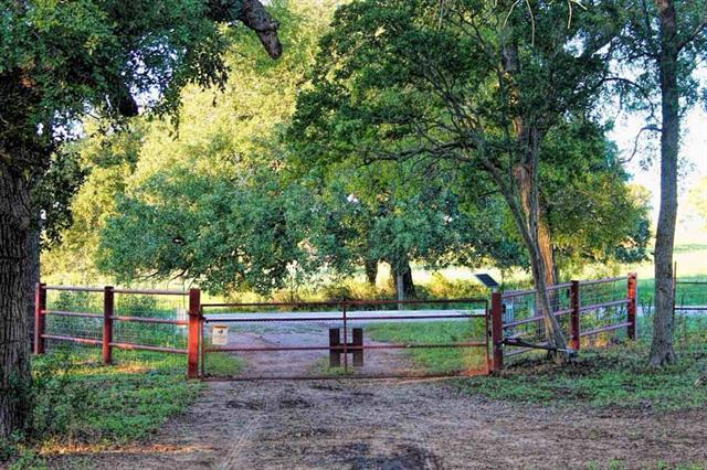 435 Ivy Switch RD, Luling TX 78648, Luling, TX 78648 - Luling, TX real estate listing