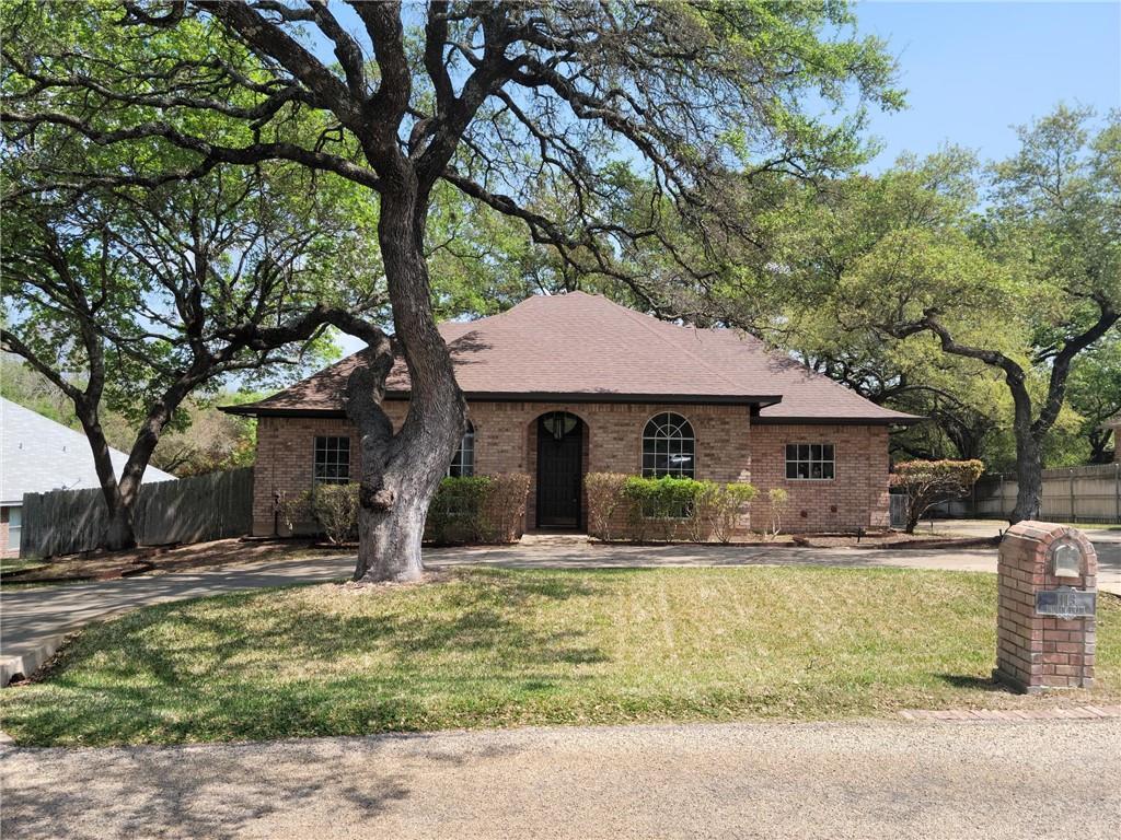 1113 Indian TRL Property Photo - Salado, TX real estate listing