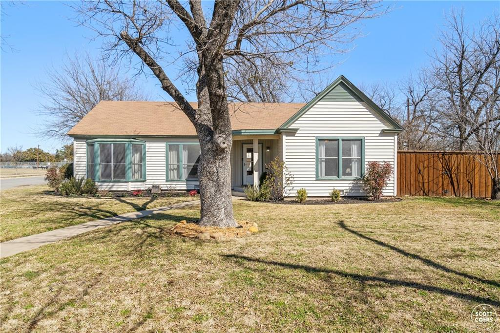 2200 1st ST Property Photo - Brownwood, TX real estate listing