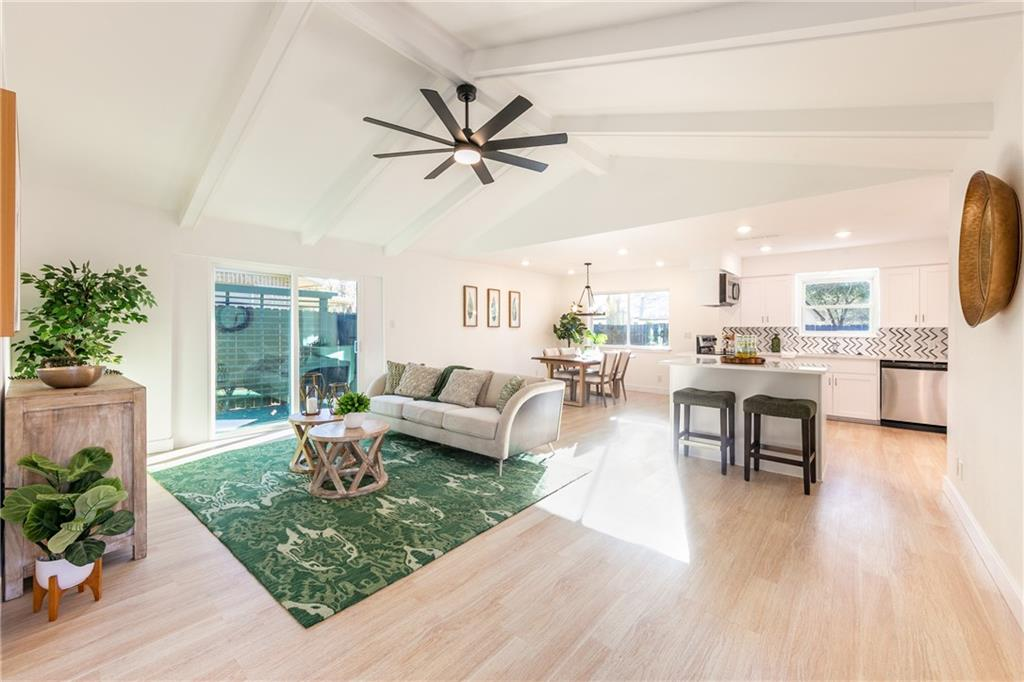 10305 Leaning Willow DR Property Photo - Austin, TX real estate listing