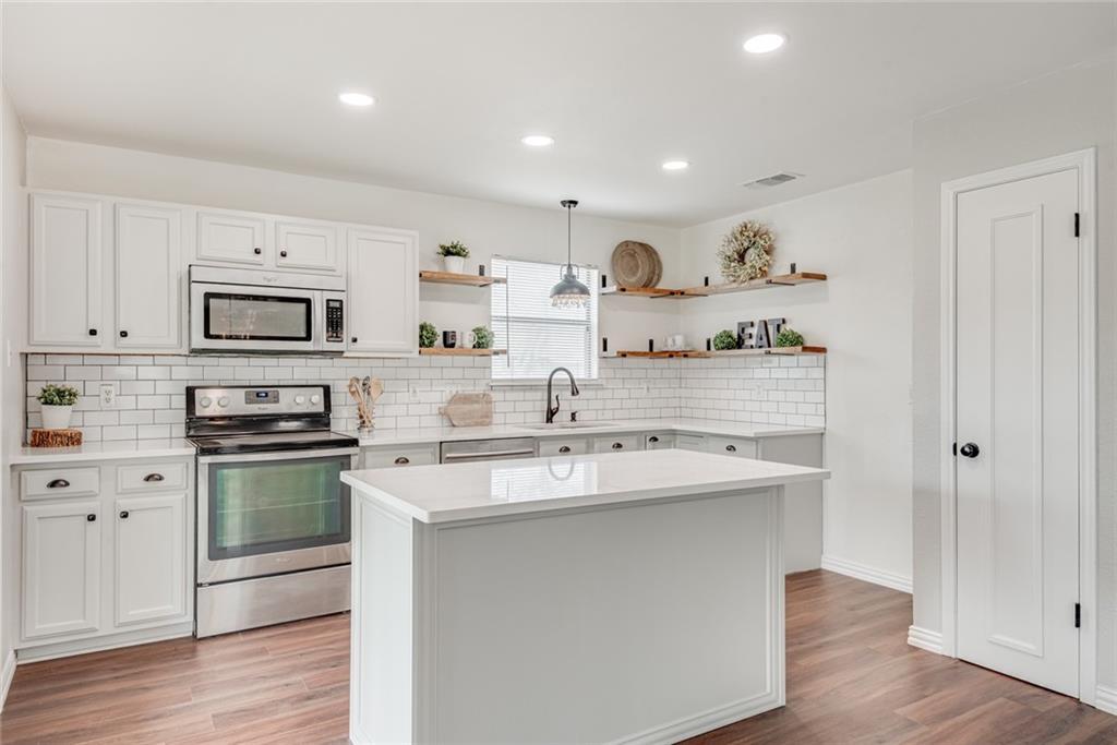 7800 Bovis CT Property Photo - Live Oak, TX real estate listing