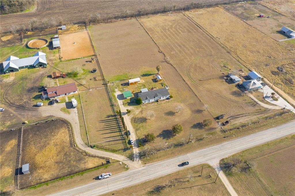 6620 fm 621 Property Photo - Martindale, TX real estate listing