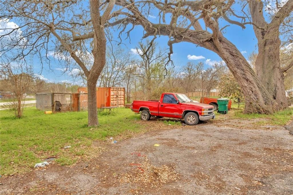 3009 Royster ST Property Photo - Del Valle, TX real estate listing