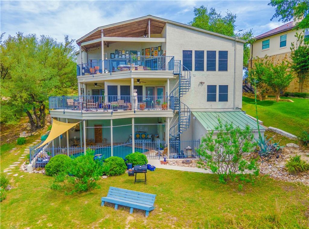 209 Hazeltine DR Property Photo - Lakeway, TX real estate listing