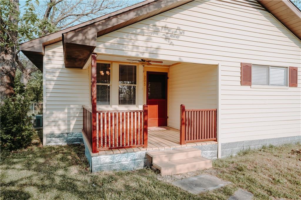205 S Granger ST Property Photo - Granger, TX real estate listing