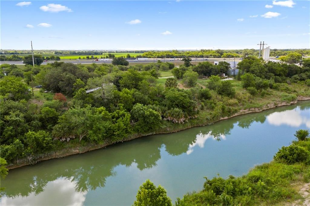 2511 N Interstate 35 Property Photo - San Marcos, TX real estate listing
