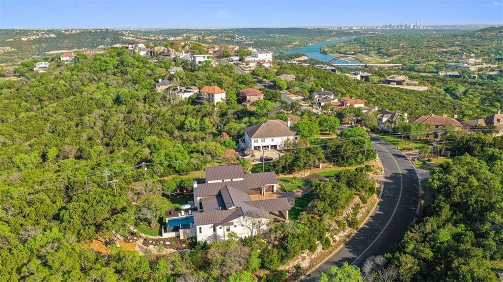 6910 W Courtyard DR Property Photo - Austin, TX real estate listing