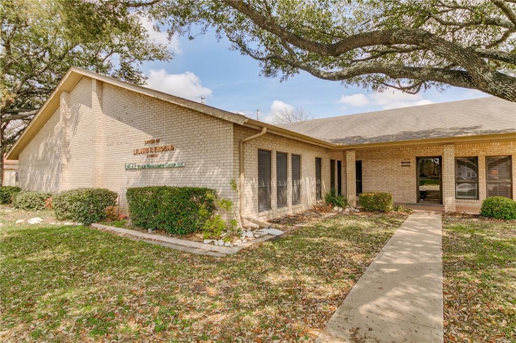 700 N Main ST, Taylor TX 76574 Property Photo