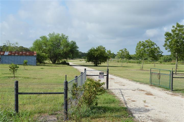 1555 Branecky RD Property Photo - Flatonia, TX real estate listing