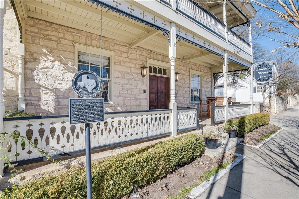 106 S Lincoln ST Property Photo - Fredericksburg, TX real estate listing