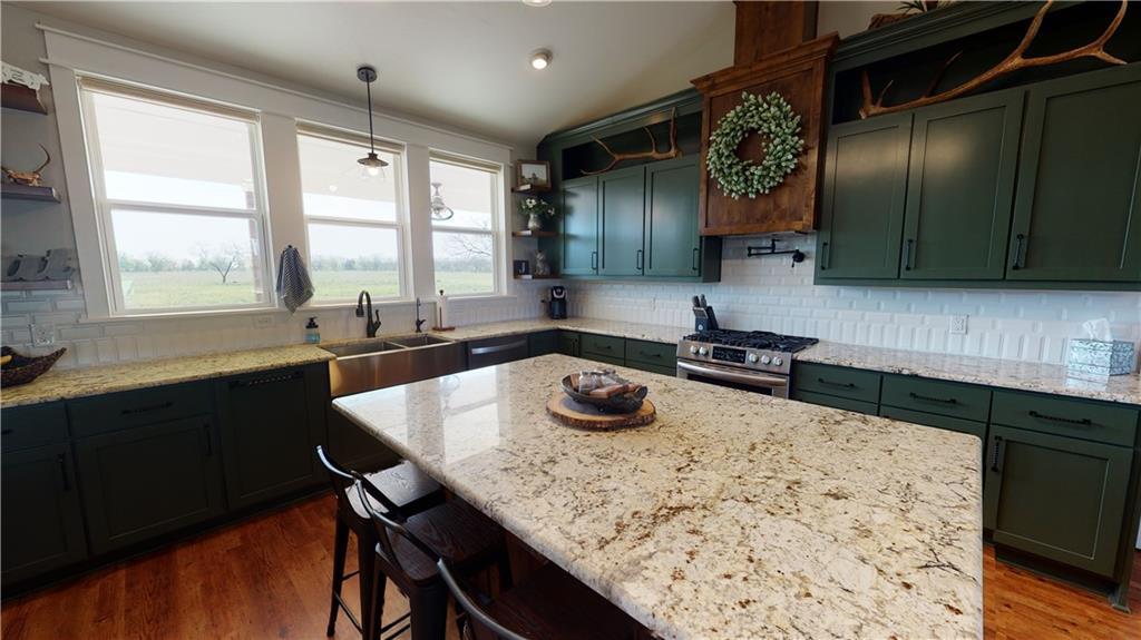 1551 County Road 305 Property Photo - Lexington, TX real estate listing