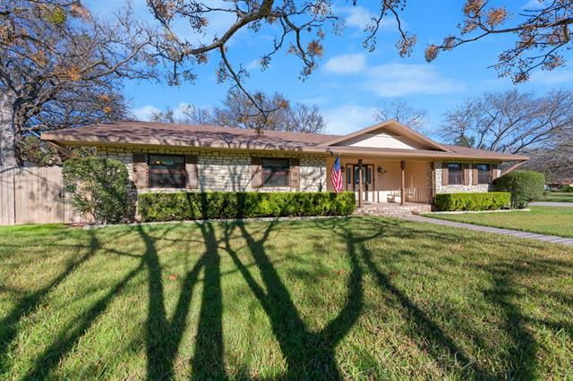 501 Flamingo CIR, Highland Haven TX 78654 Property Photo - Highland Haven, TX real estate listing