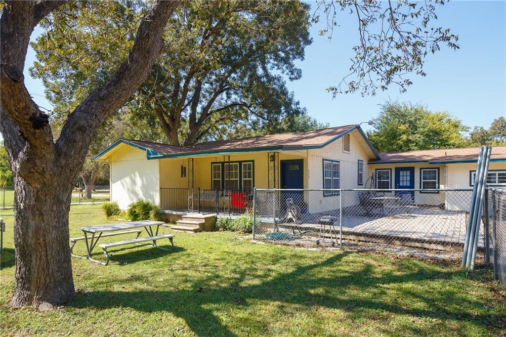 420 Thompson LN Property Photo - Austin, TX real estate listing