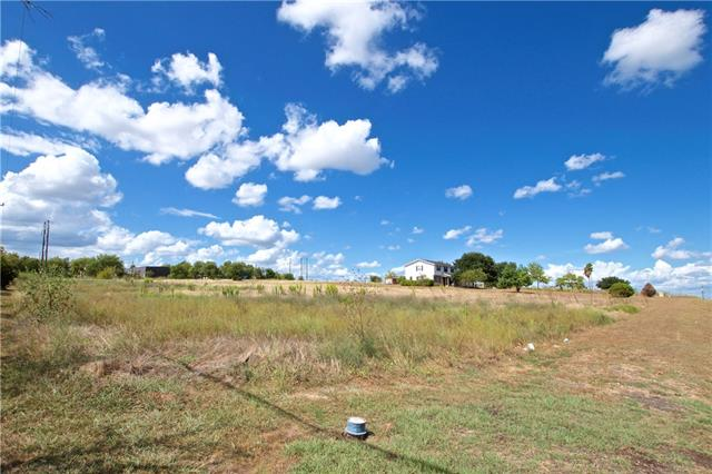 100 Sunrise Dr, Kyle Tx 78640 Property Photo