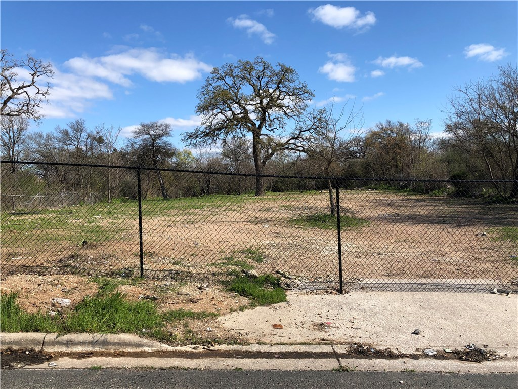 5904 Harold CT, Austin TX 78721 Property Photo