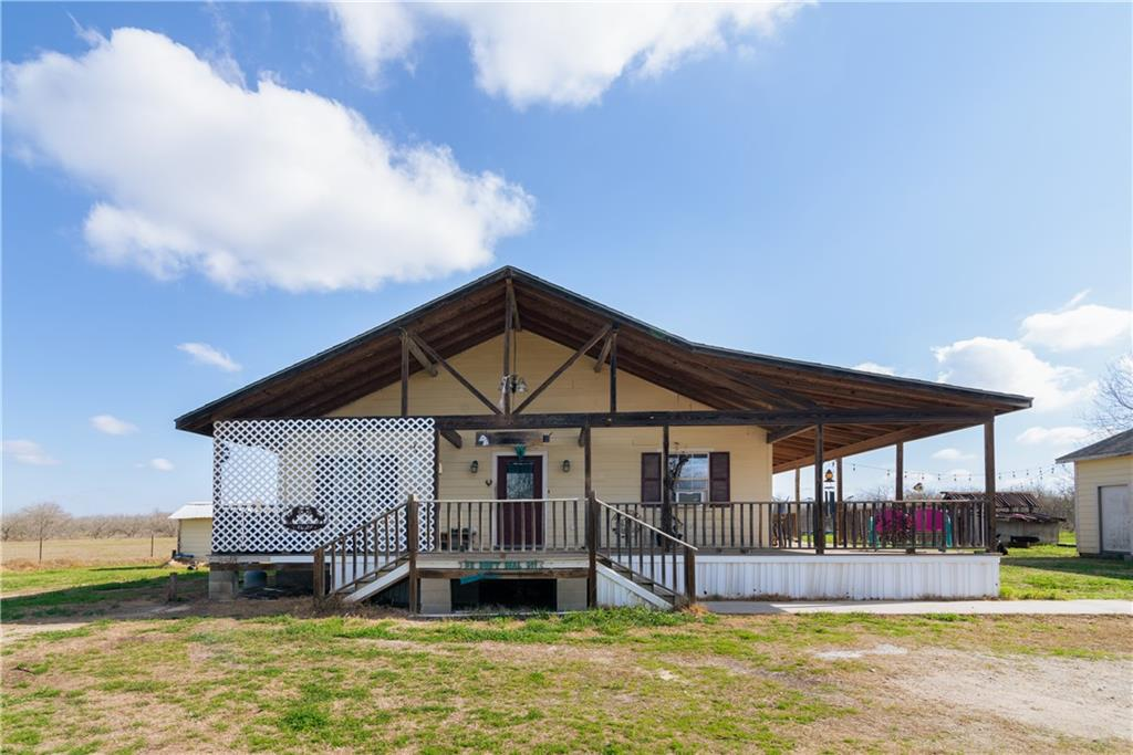 240 Sunset TRL Property Photo - Luling, TX real estate listing