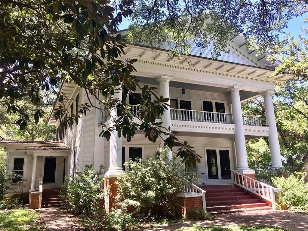 407 Ramona ST Property Photo - Smithville, TX real estate listing