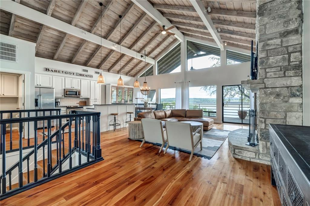 104 Center Cove III LOOP Property Photo - Spicewood, TX real estate listing