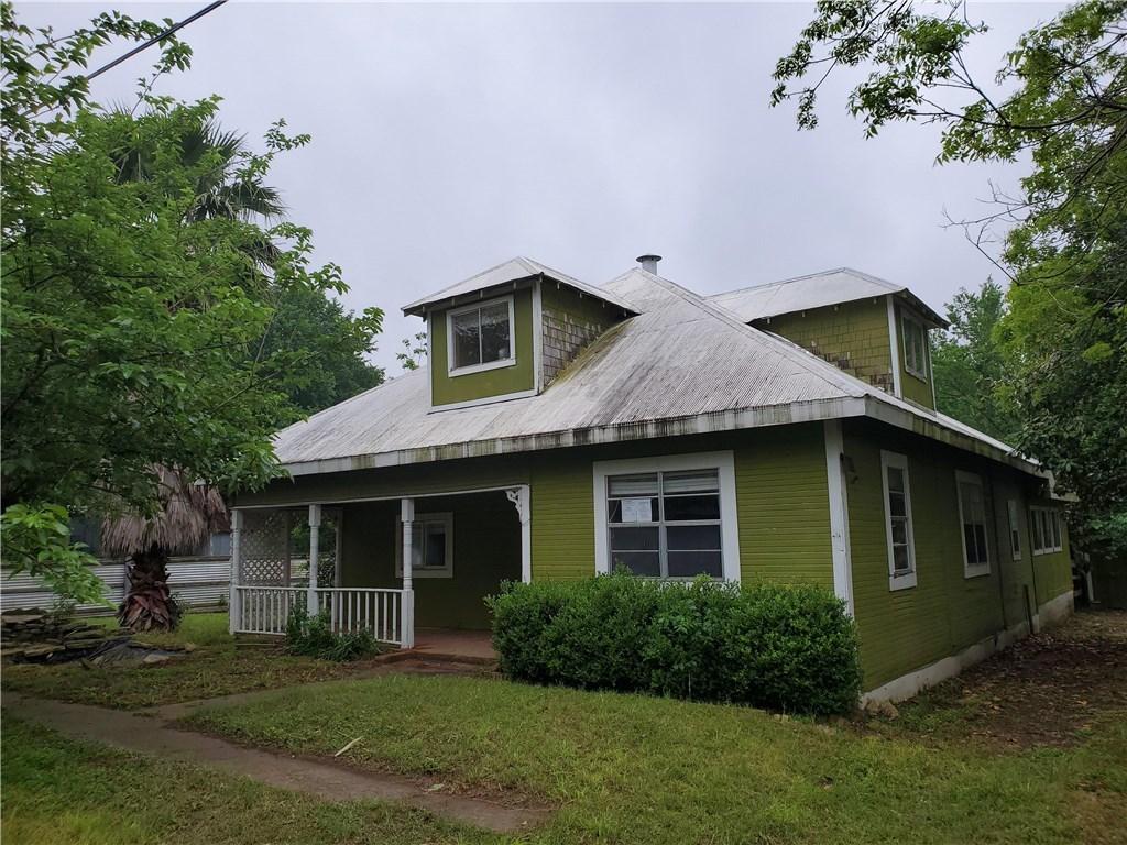 210 M L K DR, Elgin TX 78621 Property Photo - Elgin, TX real estate listing