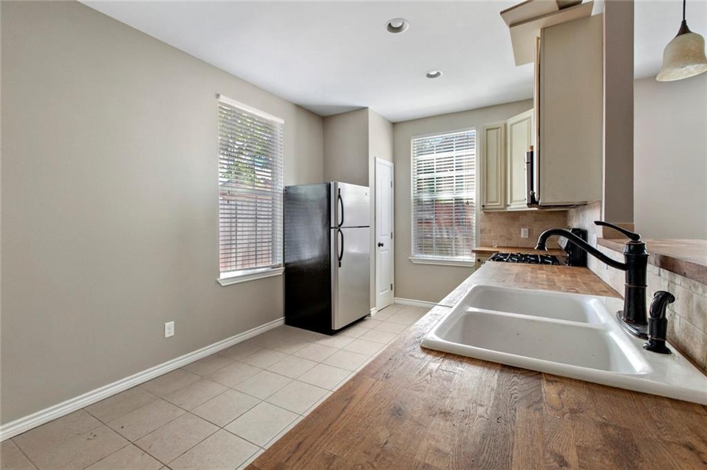 903 E 2nd ST, Austin TX 78702 Property Photo - Austin, TX real estate listing