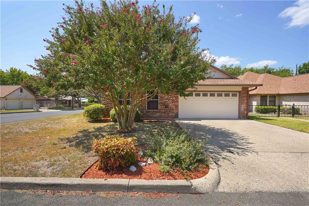 506 Sunset ST Property Photo - Fredericksburg, TX real estate listing