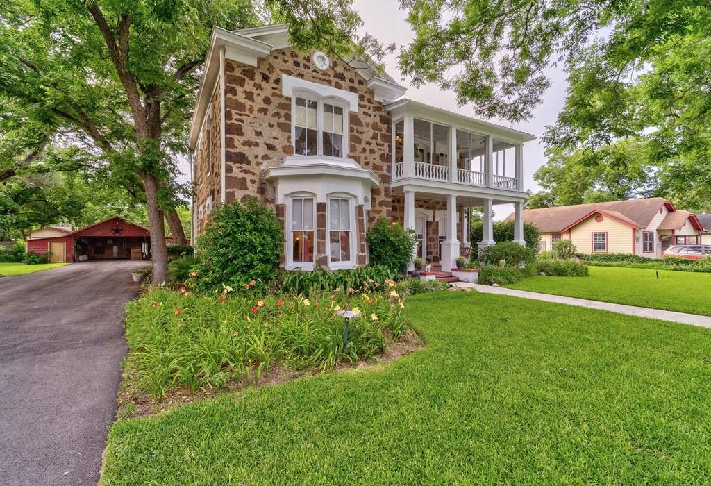 115 E Davis ST, Luling TX 78648 Property Photo - Luling, TX real estate listing