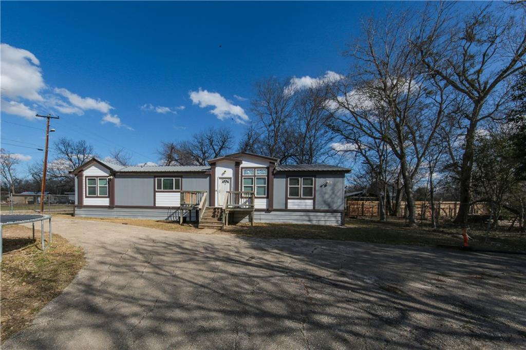 68 N Main ST Property Photo - Fentress, TX real estate listing