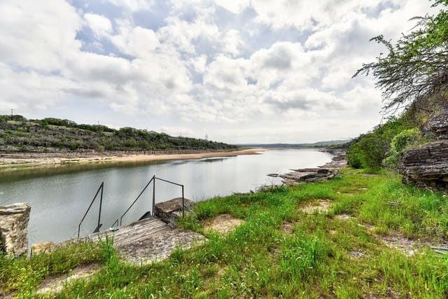 535 Flying X RD Property Photo - Spicewood, TX real estate listing