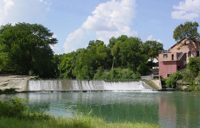 125 River Lakes LN Property Photo - Martindale, TX real estate listing