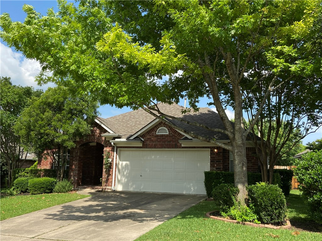 1727 Fallen Leaf LN, Round Rock TX 78665 Property Photo - Round Rock, TX real estate listing