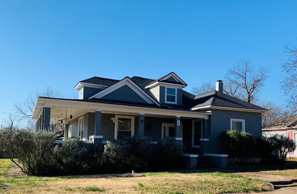 407 E 6th ST Property Photo - Cameron, TX real estate listing