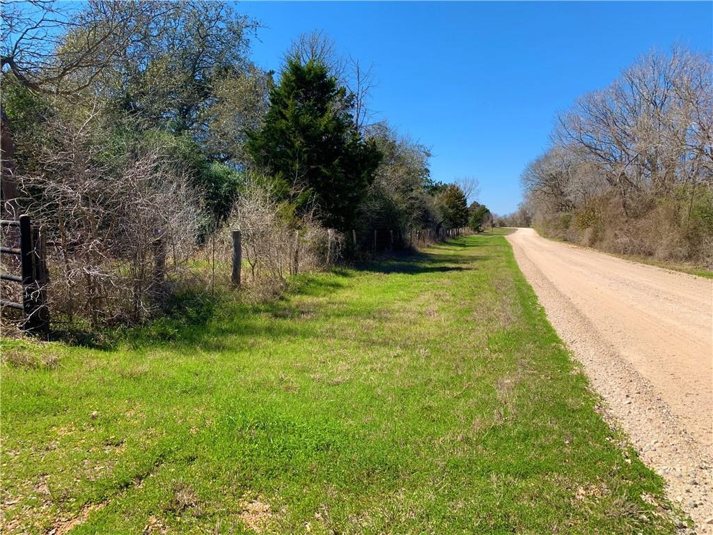 2227 County Road 402 Property Photo - Flatonia, TX real estate listing