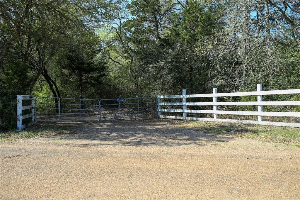 3207 Ullrich RD Property Photo - Carmine, TX real estate listing
