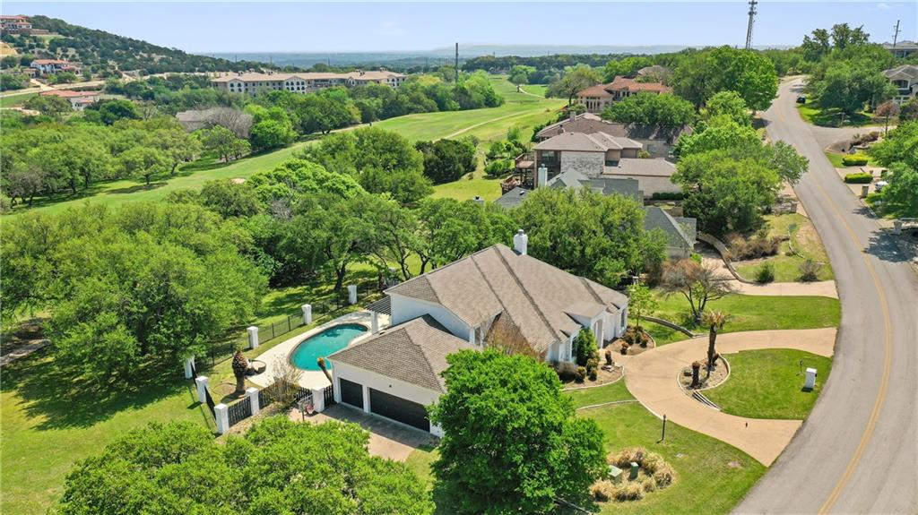 410 Golf Crest LN Property Photo - Lakeway, TX real estate listing