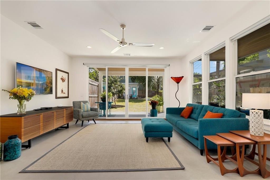 915 Cardinal Lane Condo Real Estate Listings Main Image