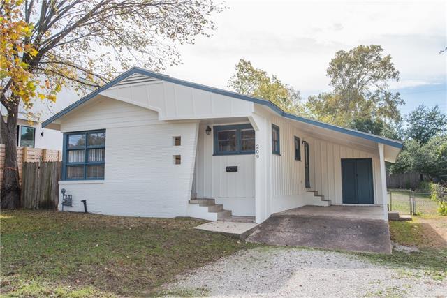 209 Woodward St Property Photo