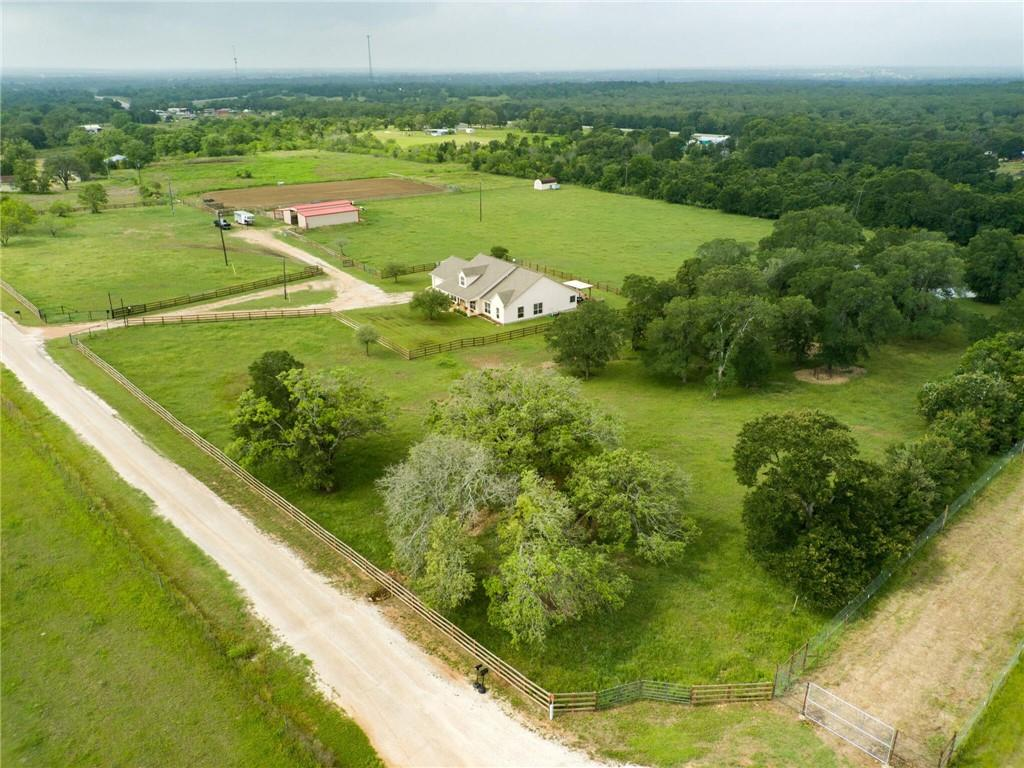 1233 CR 454 Property Photo - Lincoln, TX real estate listing
