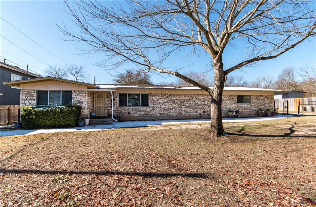 1809 Matthews LN Property Photo - Austin, TX real estate listing
