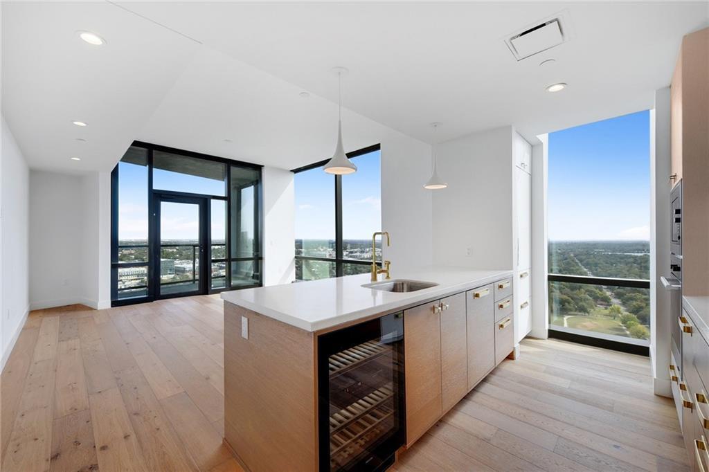 70 Rainey ST # 2607 Property Photo - Austin, TX real estate listing