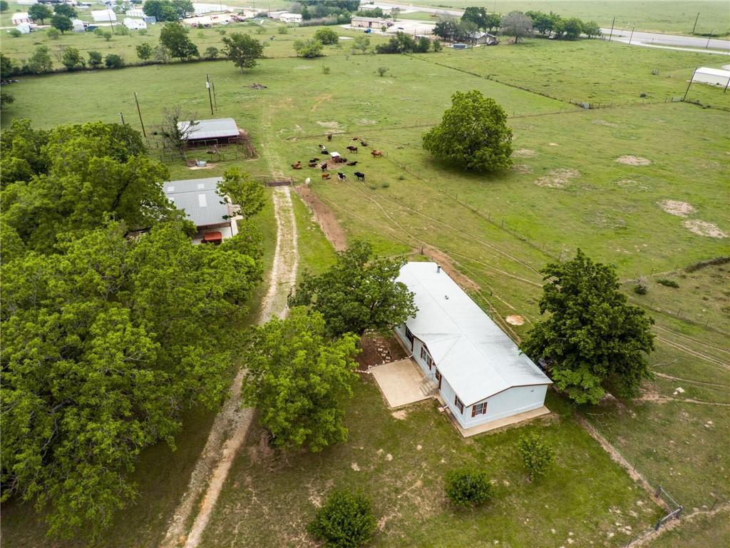 1057 CR 405 Property Photo - Lexington, TX real estate listing